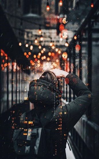 Great Photo with urban flavour, bokeh effects and light reflections