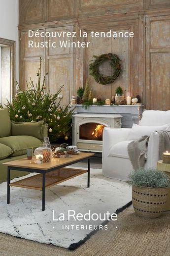 Cet hiver, place au naturel : on associe le rotin tressé, des meubles en bois brut et un canapé en lin. On se crée une atmosphère chaleureuse et authentique.