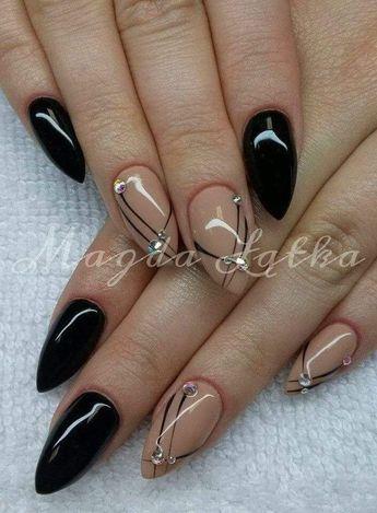 Schwarz und Beige mit diagonalen Linien