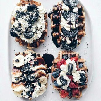 We're feeling like indulging today! 😊 #belgium #waffles #oreos #cheatday #nomnom 📷: @lichipan