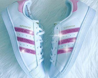 new concept 8b5d1 ec1fb Mujeres Adidas Superstar Original hecho con cristales de