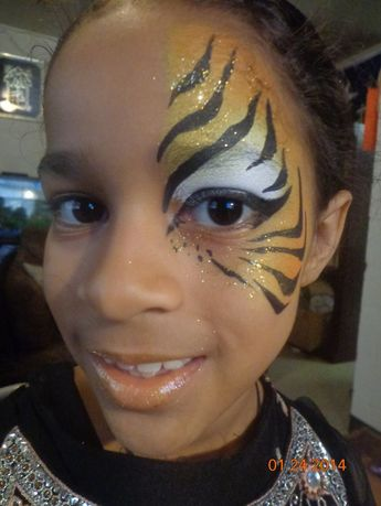 Half Tiger eye face paint  - Dreiecke - #Dreiecke #Eye #Face #Paint #Tiger