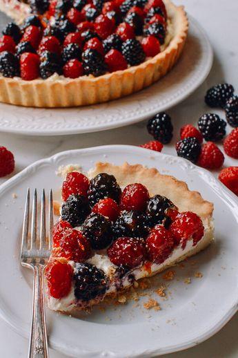 Fresh Berry Tart with Sweet Mascarpone Filling