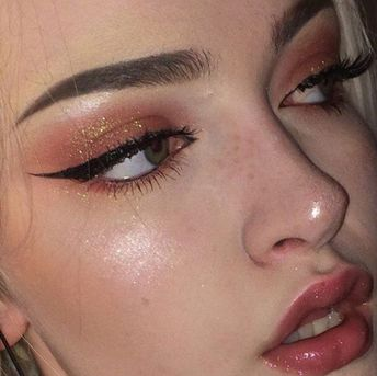 HOLIDAY MAKEUP TIPS TO FOLLOW THIS SEASON (AND THE ONES YOU SHOULD AVOID) – Page 3 – Style O Check
