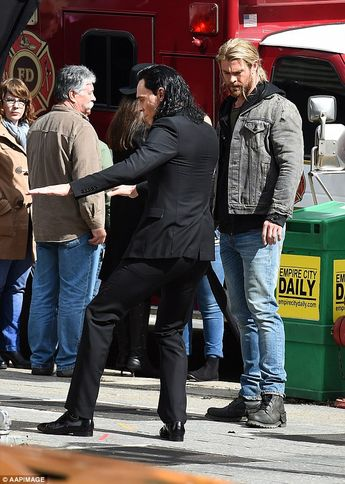 Tom Hiddleston mimics John Travolta's Pulp Fiction moves