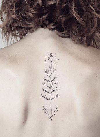 17 Spine Tattoo Designs That Will Chill You To The Bone