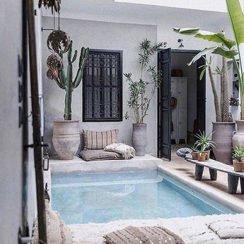 #homedecor #interiors #decor #style  So in love with this little private #outdoorliving space  Swipe left ⬅️what do you think of this beautiful home?  -  📐Designed by Nicole Francesca  🌍Located in Medina, Marrakech