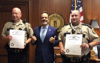 Officers honored for saving man's life at Kentucky Capitol