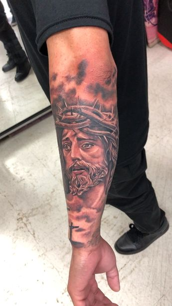 Jesus with Crown of Thorns. By: Jesus Sanchez #tattoo #tattoos #wyldesydestattoo #ink #inked #sandiego #blackandgraytattoo #religioustattoo #jesustattoo #tattoosleeve #tattoolife #wyldesydestattoo