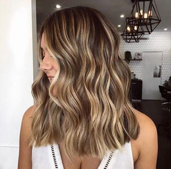 No longer in the mood for bleaching? Then Bronde is just the thing for you No desire for bleaching? Bronde is the perfect hair color for