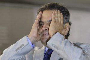 PSDB admite abrir processo de expulsão de Aécio Neves