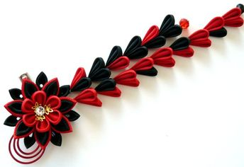 Kanzashi flowers. Set of 3 hair pieces. Red and black
