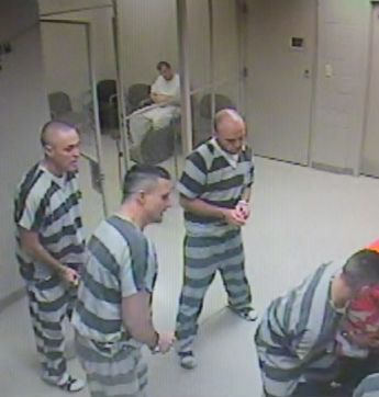 Texas Inmates Broke Out Of A Cell To Save A Jailer From An Apparent Heart Attack