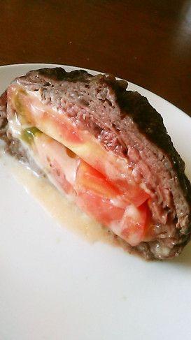 トマトとチーズの牛肉巻き。安い肉で十分 by 信子さん