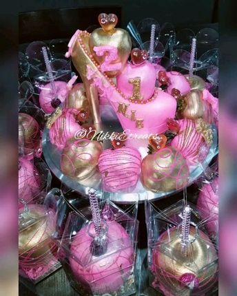Pink & Gold Strawberry, Apple & Stiletto Bundle  x @darealnikkie  #NikkiEtreats #blingberries #Diva #21stbirthday #candyapples #chocolatecoveredstrawberries #chocolatestrawberries #chocolatestrawberry #chocolate #strawberry #infusedstrawberries #infused #chocolateheels  #highheels  #highheelshoes #chocolatehighheel #chocolatehighheels #chocolatehighheelshoes  #chocolatehighheelshoe #atlanta #atlart #atlantaart #atlstrawberries  #atlsweets #nowthatsludicrous