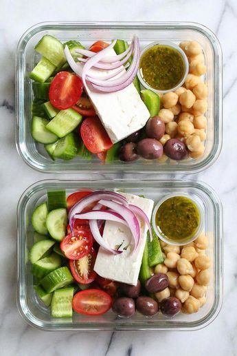 Greek Chickpea Salad, made with chickpeas, cucumbers, tomatoes, bell peppers, olives and Feta is perfect to make ahead, for lunch for the week! #dessertrecipe