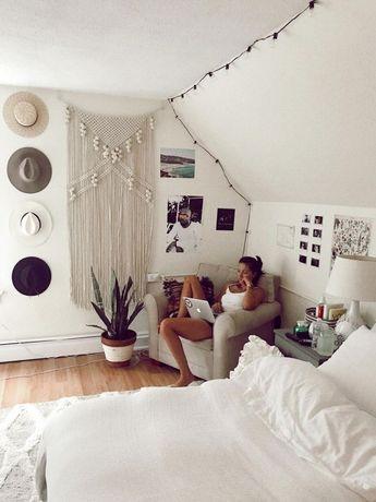✔60 inspiring decoration ideas for your dorm room 15