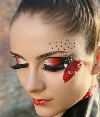 Dramatic eye makeup: perfecting to flutter your seasonal looks 3