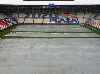 Fue inaugurado el 14 de febrero de 1993 y pasó a ser la casa del Pachuca que anteriormente jugaba como local en el Estadio Revolución Mexicana, el partido inaugural se dio entre Tuzos y los Pumas de la UNAM, quedando el marcador 0-1. Ha sido reconstruido y modernizado posteriormene. En antaño jugaron ahí también los Toros Hidalgo, durante el periodo que los Toros Neza se mudaron a la ciudad de Pachuca. Se reinauguró el día 1 de agosto de 2004 también con un partido Tuzos y los Pumas de la UNAM.