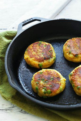 Aloo Tikki (Indian Potato Cakes with Green Chutney)