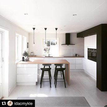 "Polubienia: 47, komentarze: 0 – [ DESIGN . SOURCE . CREATE ] (@interiorsquad) na Instagramie: ""Credit : @idacmykle @white.interior  Monochrome + Sunlight #kitchendesign #monochrome #blackaccents…"""
