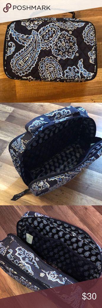 """Vera Bradley Makeup Travel Bag Vera Bradley Makeup Travel Bag in color """"Blue Bandana"""" Vera Bradley Bags Cosmetic Bags & Cases"""