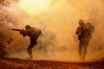Military silhouettes in the battlefield....   Free Photo #Freepik #freephoto #freeman #freesilhouette #freegun #freearmy