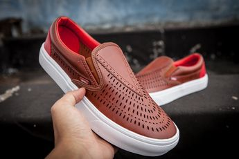 c532767ae1 VANS deer Han kissed the summer hollow breathable lazy sets of brown MT02  real standard can