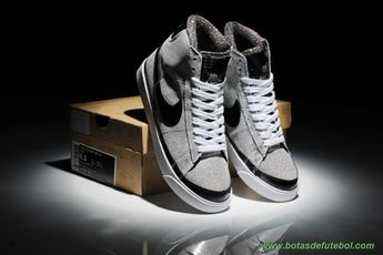 outlet store 9c7ee 9ffd0 Mulheres 403729-628 X-Girls Nike Blazer Prata with Preto Logo venda de  chuteiras