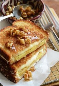 Εύκολη και λαχταριστή μηλόπιτα με ψωμί του τοστ σε 5