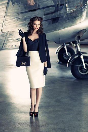 enroutemagazine:    This thirties-inspired haute look is truly runway-ready.Avec son look années 30, notre mannequin est prête pour la passerelle.  Photo by /deChris Nicholls.See more fromour September 2012 issue.Découvrez le reste denotre numéro de septembre 2012.