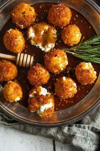 Artichoke and Goat Cheese Bites - 50 pieces per tray