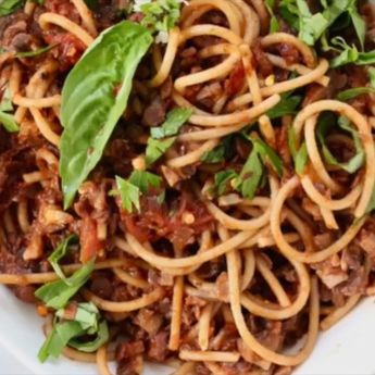 Vegan mushroom ragu or Italian Ragu di Fungi Misti, a thick and hearty sauce that is packed full of nutrients from mushrooms, lentils, walnuts and tomatoes. It holds up to any pasta shape, from spaghetti to rigatoni to lasagna, this sauce is a true gem #vegan #Plantbased #easyrecipes #wfpb #pasta
