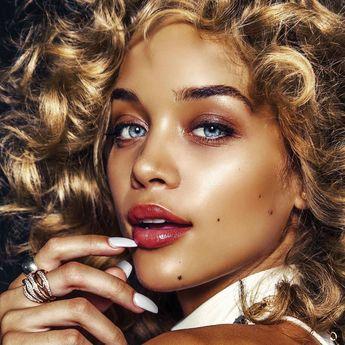 The stunning Jasmine Sanders (@golden_barbie) photographed by Aris Jerome (@arisjerome) for Arcadia Magazine (@thearcadiaonline). Stylist: @mrmontyjackson | Hair: @crystallize | Makeup: @tksmakeup. by fashionphotographyappreciation