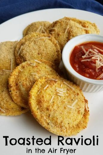 Make golden and crispy toasted ravioli quick and easily in your air fryer! This St. Louis classic appetizer is perfect for parties, game day or just because! #airfryer #appetizers #hamiltonbeach #sponsored #food