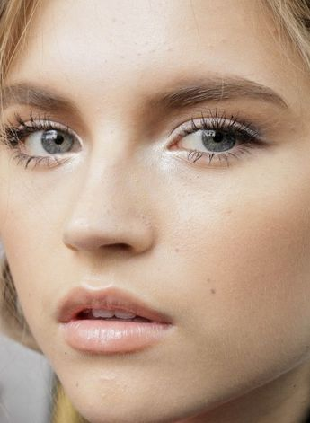 Your Number-One Makeup Trick For That Dreamy Wedding-Day Glow