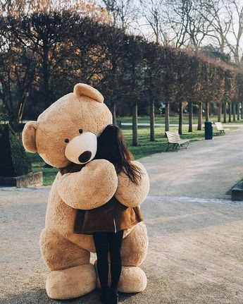 Who wanna this Hug? 😍 . . . Also Tag your friends 👭👫Leave your comment..💭 Follow:👣@dress_seller01 💖 Follow:👣@dress_seller01 💖…