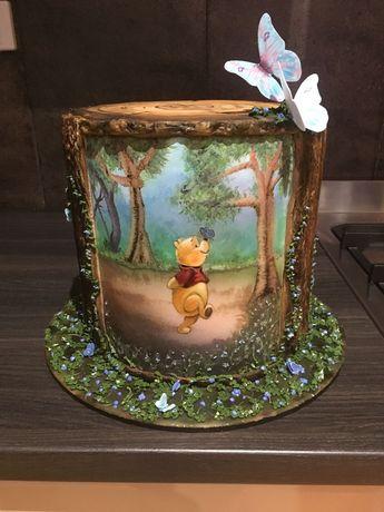 Handpainted Winnie The Pooh Handpainted Winnie the Pooh with Sugarpaste tree trunk