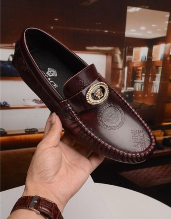 Versace Leather Shoes For Men #681187