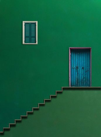 ...love the graphic effect, color,  2 tone, cool colors,  green, blue, semetrical outline, door window,  outline of steps.  Awesome