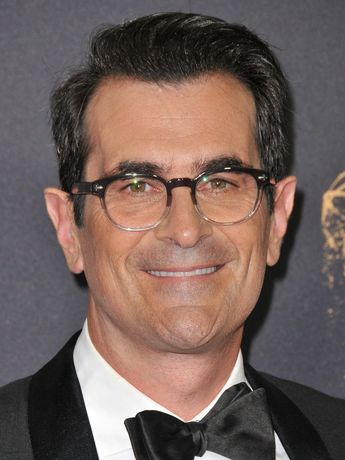List of attractive modern family cast phil dunphy ideas and photos