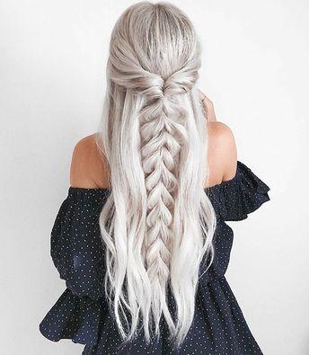 52 Trendy Chic Braided Hairstyle Ideas You Should Try – Pull through braid half …, #braid #Braided #Chic #Hairstyle #Ideas - #hairstylesthemeBun #hairstylesthemeCurly #hairstylesthemeHalfUpHalfDown