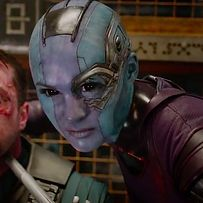 We also meet a few of the secondary characters, like Nebula (Karen Gillan), a ruthless and quite bald pirate.