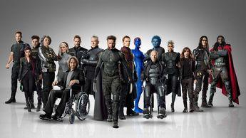 Ambientada en la década de los 70, los miembros de la famosa Patrulla X tendrán que evitar un futuro apocalíptico en el que los mutantes luchan por sobrevivir en campos de concentración controlados por los temibles Centinelas. Para ello, los héroes del universo Marvel deberán unificar sus fuerzas dejando a un lado la creciente enemistad de los ba