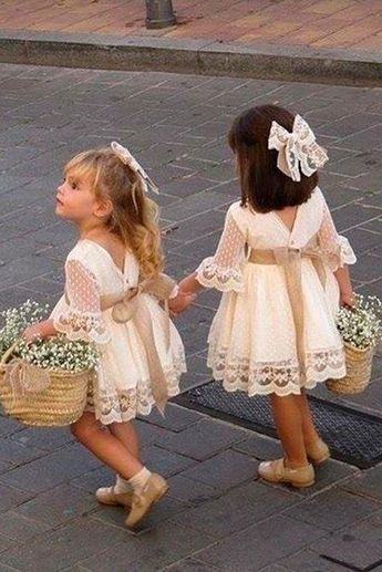 a70eef77d0b3 A line Long Sleeve Lace Flower Girl Dresses Above Knee Scoop Bowknot Baby  Dress PW546