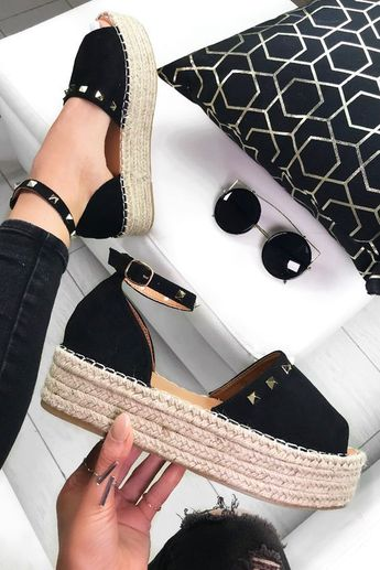 Summer 2019 Shoe Trends – 30 Shoes that you NEED to Have