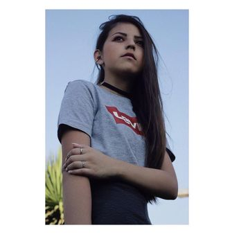 "Ignacia Hernandez on Instagram: ""酪❤️ Fotografía: @hnrchs.portfolio  Make up: @gisriquelme • • • #instasize #instalike #instachile #like4like #likeforlike #follow4follow…"""