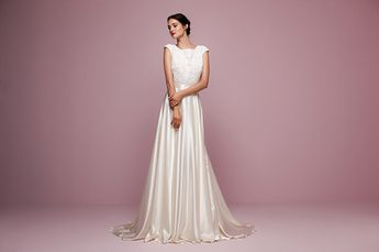 Fabulously Feminine  The Daalarna Flower Collection af62588251