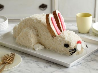 The piece de résistance for your Easter meal?? A rabbit-shaped cake, of course!