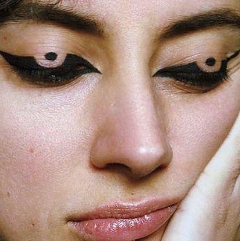 Pinterest - @coppermakeup  Graphic Eyeliner // Editorial Makeup